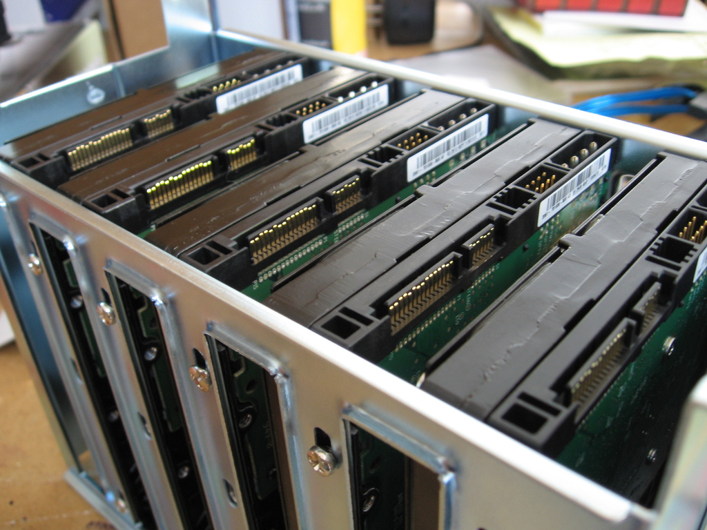 ファイルサーバーをタワー型からメロン箱型へ